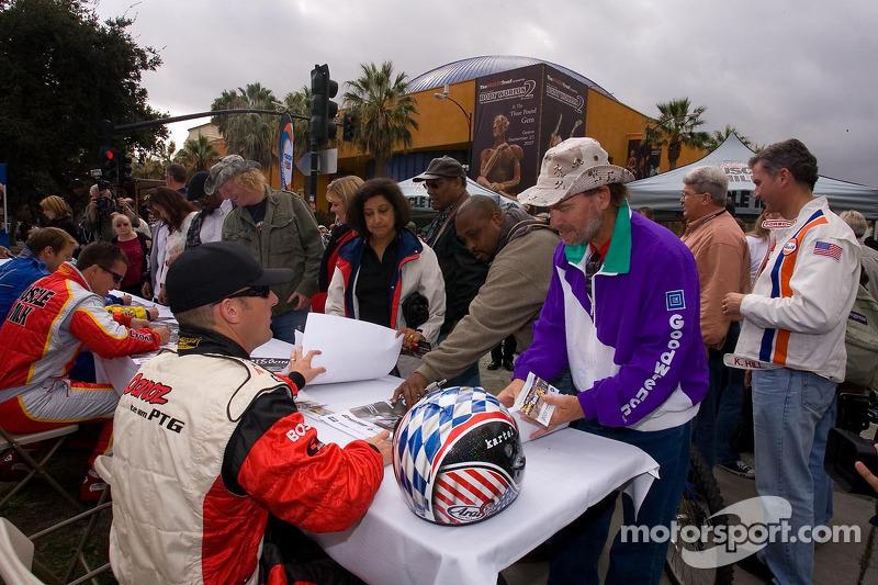 Drivers autograph session