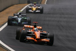 Adrian Sutil, Spyker F1 Team, Rubens Barrichello, Honda Racing F1 Team