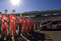 The Office Depot crew lines up on pit road
