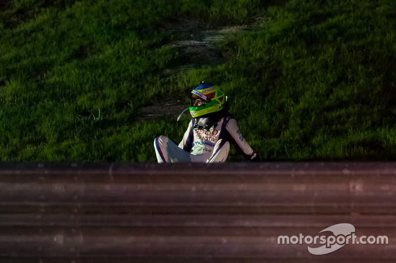 Mike Conway, Toyota Racing, nach einem Unfall