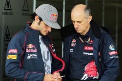 Карлос Сайнс мл., Scuderia Toro Rosso и Франц Тост, руководитель Scuderia Toro Rosso