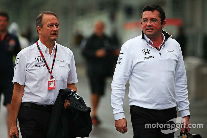 Jonathan Neale, McLaren Chief Operating Officer with Eric Boullier, McLaren Racing Director