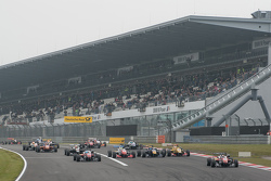 Felix Rosenqvist, Prema Powerteam Dallara F312 - Mercedes-Benz, lidera o pelotão na largada