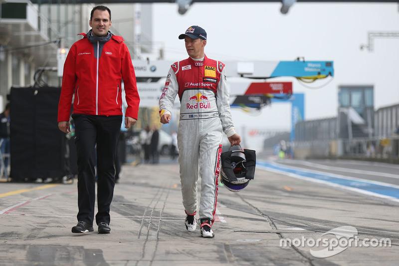 Mattias Ekström with vehicle engineer Florian Modlinger