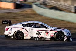 绝对车队77号宾利欧陆GT3:杜坎·塔比、金载沅