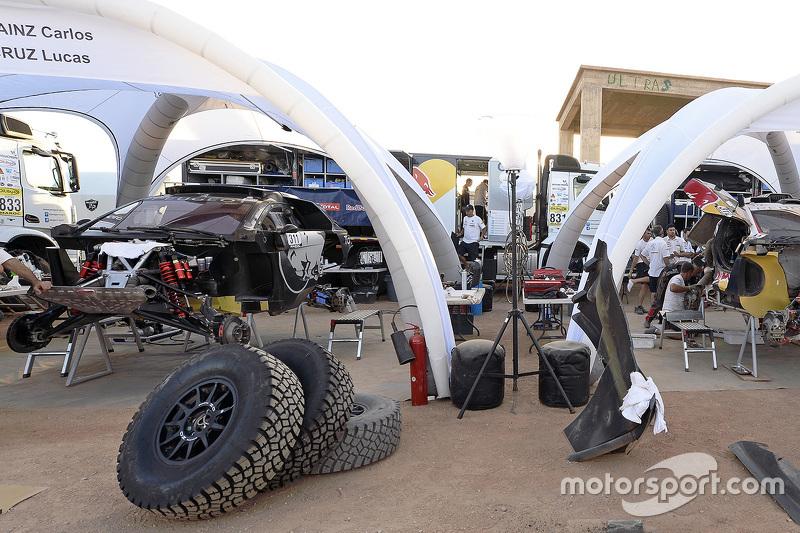 Peugeot Sport team area