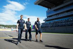 Даниил Квят, Red Bull Racing изучает трасу