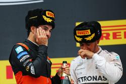 (L to R): Sergio Perez, Sahara Force India F1 celebrates his third position on the podium with race winner Lewis Hamilton, Mercedes AMG F2