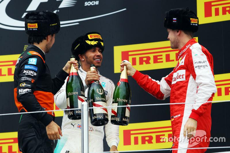EL podio,: Sergio Pérez, Sahara Force India F1; Lewis Hamilton, Mercedes AMG F1, Sebastian Vettel, Ferrari