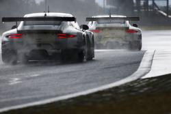 #92 保时捷曼泰车队 保时捷911 RSR:弗雷德里克·马克维斯基、帕特里克·皮雷