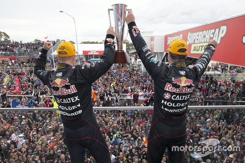 Podium: race winners Craig Lowndes and Steven Richards, Triple Eight Race Engineering Holden