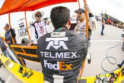 (Izq. a Der.) Jimmy Morales, Director deportivo Escudería Telmex, Antonio Pérez, Escudería Telmex y Abraham Calderón, Telcer Racing