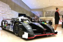 Der Strakka Racing Dome wird im Louvre ausgestellt, um Werbung für 3D-Printing zu machen