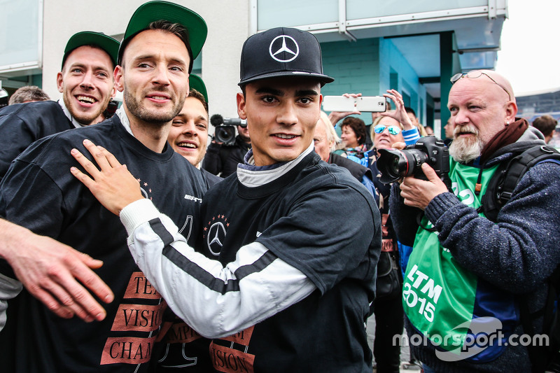 2015 champion Pascal Wehrlein, HWA AG Mercedes-AMG C63 DTM