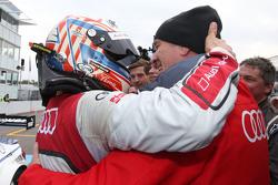 Победитель гонки - Тимо Шайдер, Audi Sport Team Phoenix Audi RS 5 DTM и доктор Вольфганг Ульрих, глава Audi Motorsport