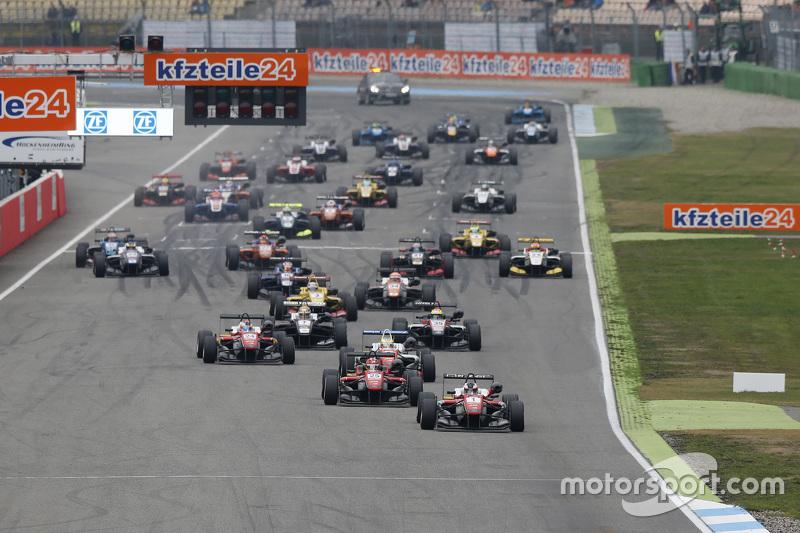 Race 1 Start: Felix Rosenqvist, Prema Powerteam Dallara Mercedes-Benz leads