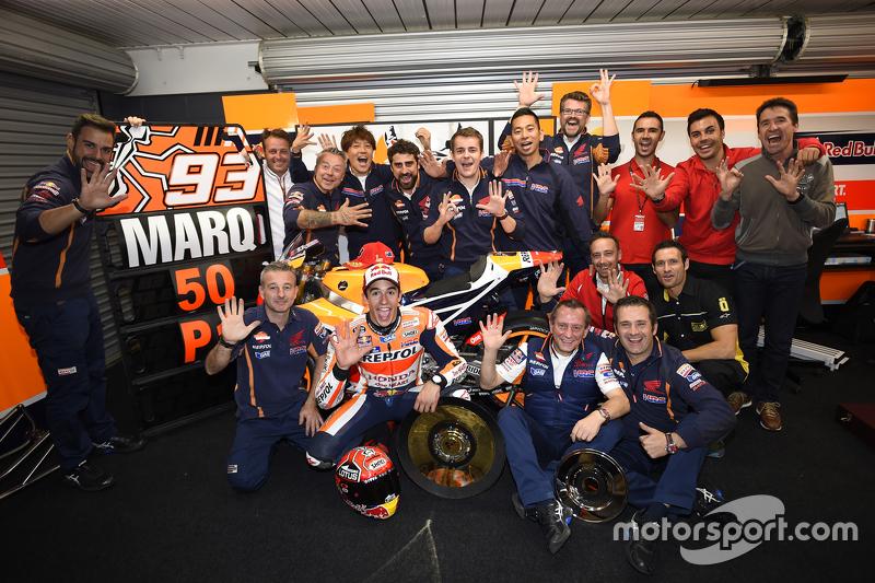 Марк Маркес, Repsol Honda Team, святкує 50 перемогу з командою