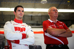 Alexander Rossi, Manor F1 Team et John Booth, Team Principal, Manor F1 Team