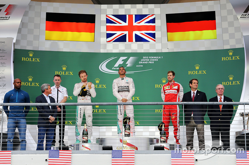 Podium: Race winner and World Champion Lewis Hamilton, Mercedes AMG F1, with second place Nico Rosberg, Mercedes AMG F1 W06 and third place Sebastian Vettel, Ferrari