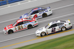 Brad Keselowski, Team Penske Ford; Ryan Blaney, Wood Brothers Racing Ford; Ricky Stenhouse Jr., Roush Fenway Racing Ford