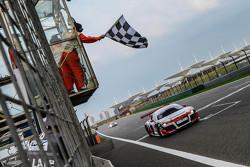 Race winner Aditya Patel, Team Audi R8 LMS Cup