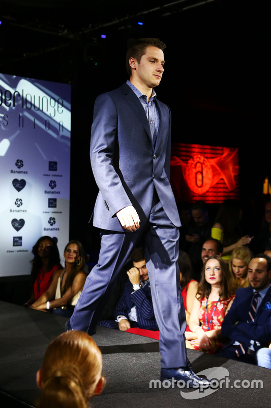 Jordan King, Manor Marussia F1 Team Development Driver op de Amber Lounge Fashion Show