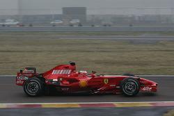Kimi Räikkönen testet den neuen Ferrari F2008
