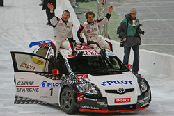 Olivier Panis y Alain Prost ganadores