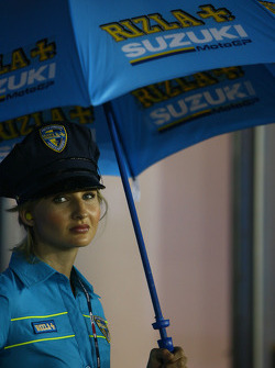 A lovely Rizla+ Suzuki girl