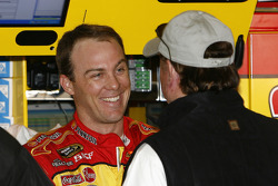 Kevin Harvick talks to Richard Childress