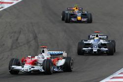 Jarno Trulli, Toyota Racing, TF108 and Nico Rosberg, WilliamsF1 Team, FW30