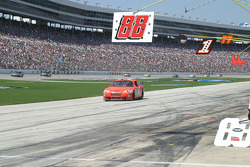 John Andretti takes an unplanned pit stop