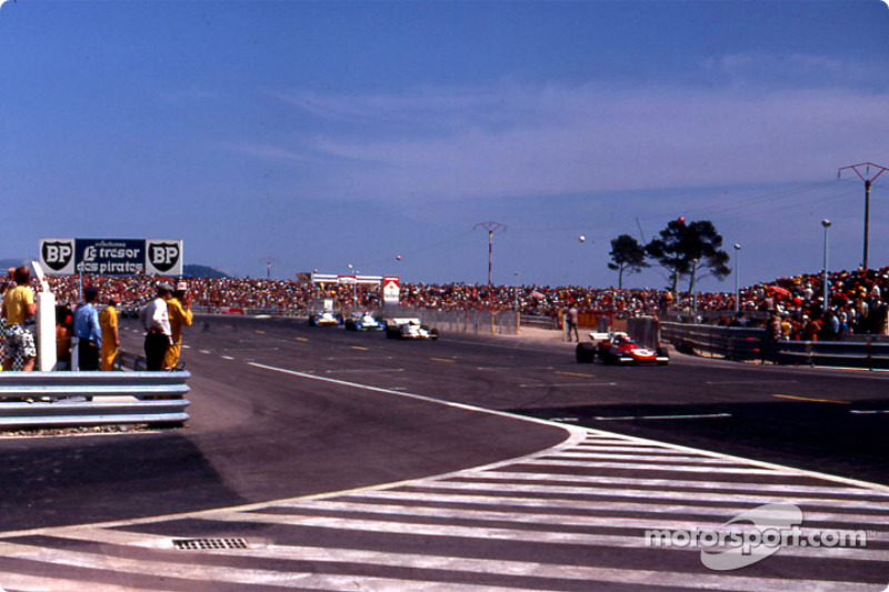 Regazzoni, leading the chase behind Stewart