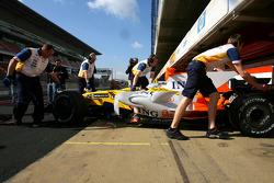 Fernando Alonso, Renault F1 Team, R28 new aero