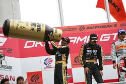 GT300 podium: second place Nobuteru Taniguchi and Shinichi Yamaji