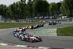 Start: #1 Audi Sport Team Joest Audi R10 TDI: Allan McNish, Rinaldo Capello