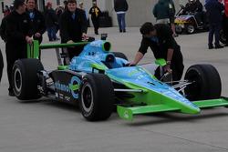 Ryan Hunter-Reay's car going to tech