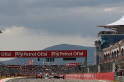 Start, Felipe Massa, Scuderia Ferrari, F2008, Lewis Hamilton, McLaren Mercedes, MP4-23