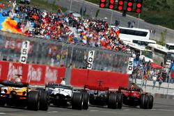 Start, Felipe Massa, Scuderia Ferrari, F2008 and Lewis Hamilton, McLaren Mercedes, MP4-23