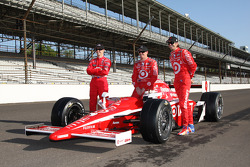Front row: Ryan Briscoe, Dan Wheldon and pole winner Scott Dixon