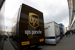 UPS races the Porsche