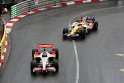 Giancarlo Fisichella, Force India F1 Team leads Fernando Alonso, Renault F1 Team