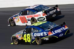 Jimmie Johnson et Dale Earnhardt Jr.