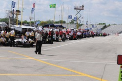 Pitlane was busy during practice