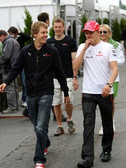 Sebastian Vettel, Scuderia Toro Rosso, Heikki Kovalainen, McLaren Mercedes