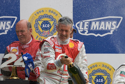 LM P1 podium: Rinaldo Capello sprays champagne