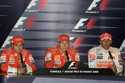 Пресс-конференция: Кими Райкконен, Scuderia Ferrari (обладатель поул-позиции), Фелипе Масса, Scuderia Ferrari (второе место) и Льюис Хэмилтон, McLaren Mercedes (третье место)