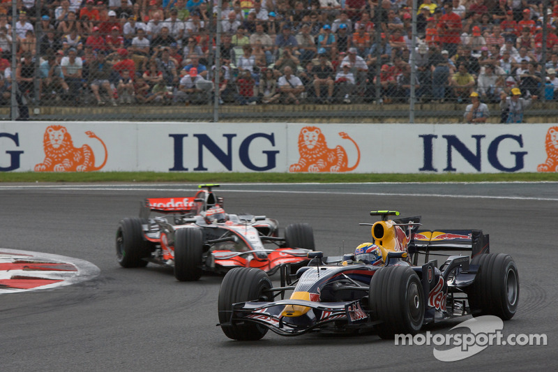 Mark Webber, Red Bull Racing, Heikki Kovalainen, McLaren Mercedes