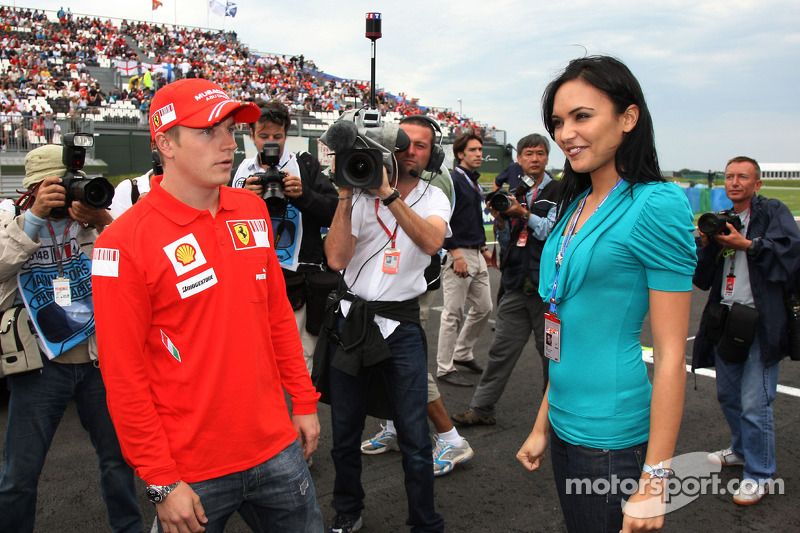 Kimi Raikkonen, Scuderia Ferrari with Miss France