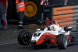 Nico Hulkenberg crashes out of the race
